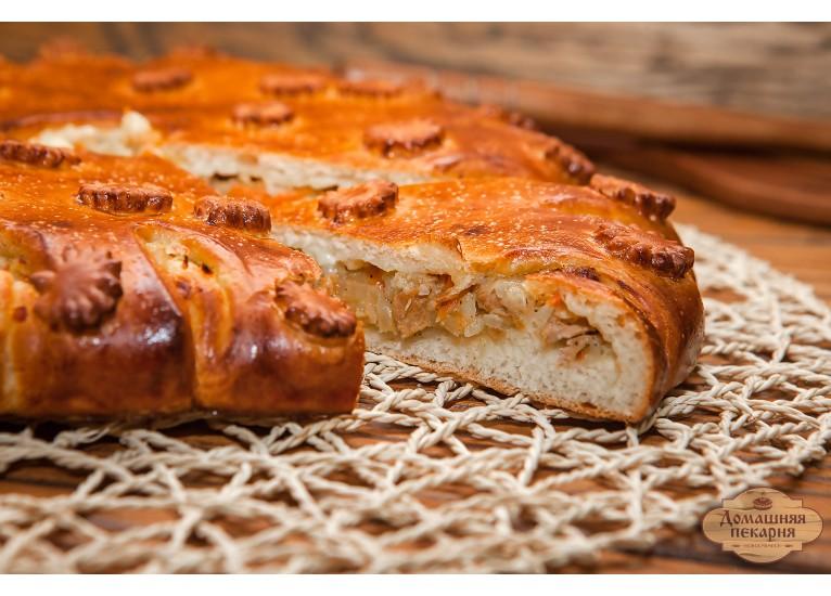 Пирог мясной с капустой
