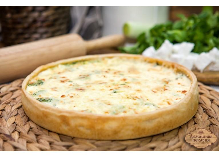 Киш с сыром и шпинатом